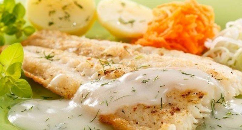 Рыба с овощами в соусе