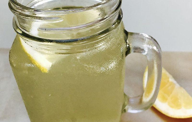 Клубнично-ванильный прохладительный напиток