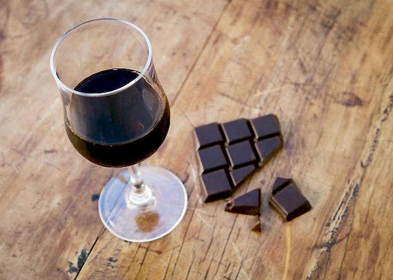 3 домашних рецепта ароматного и выдержанного шоколадного коньяка