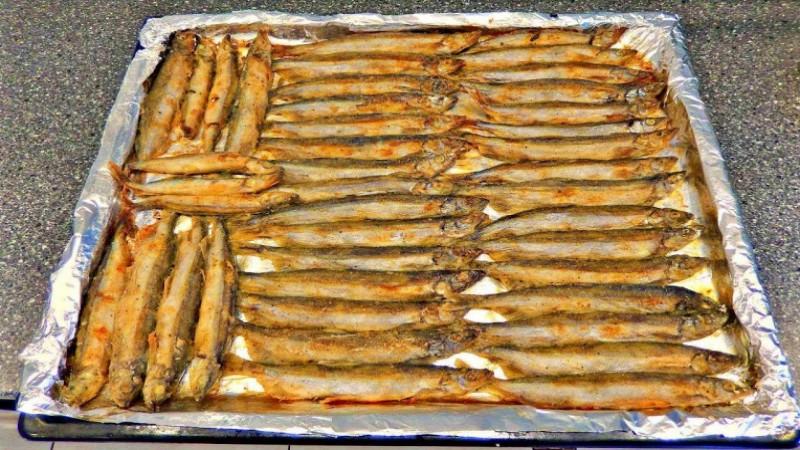 Мойва в духовке за полчаса: простое и вкусное блюдо