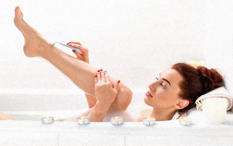 Как женщине правильно брить ноги: 8 проверенных советов
